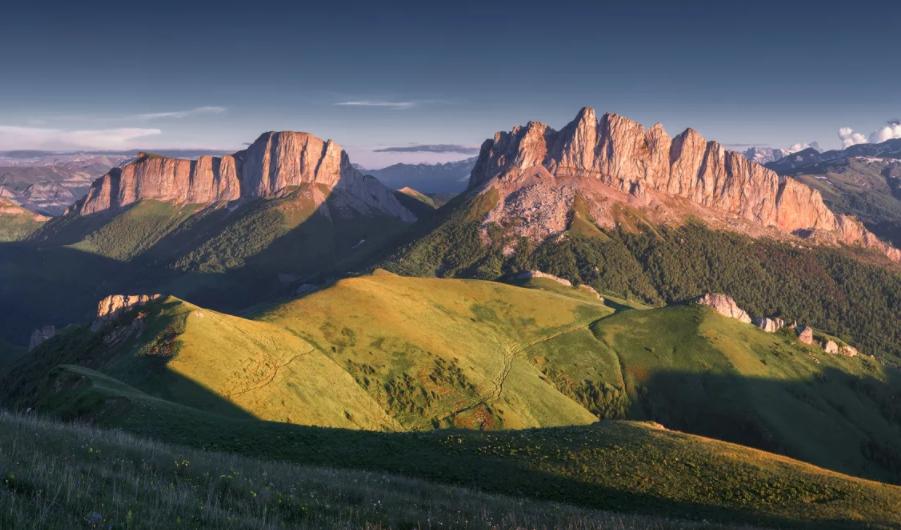 Перевал Чертовы ворота, гора Ачешбок