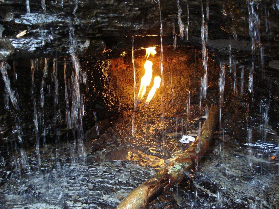 Водопад Вечного огня Нью Йорк