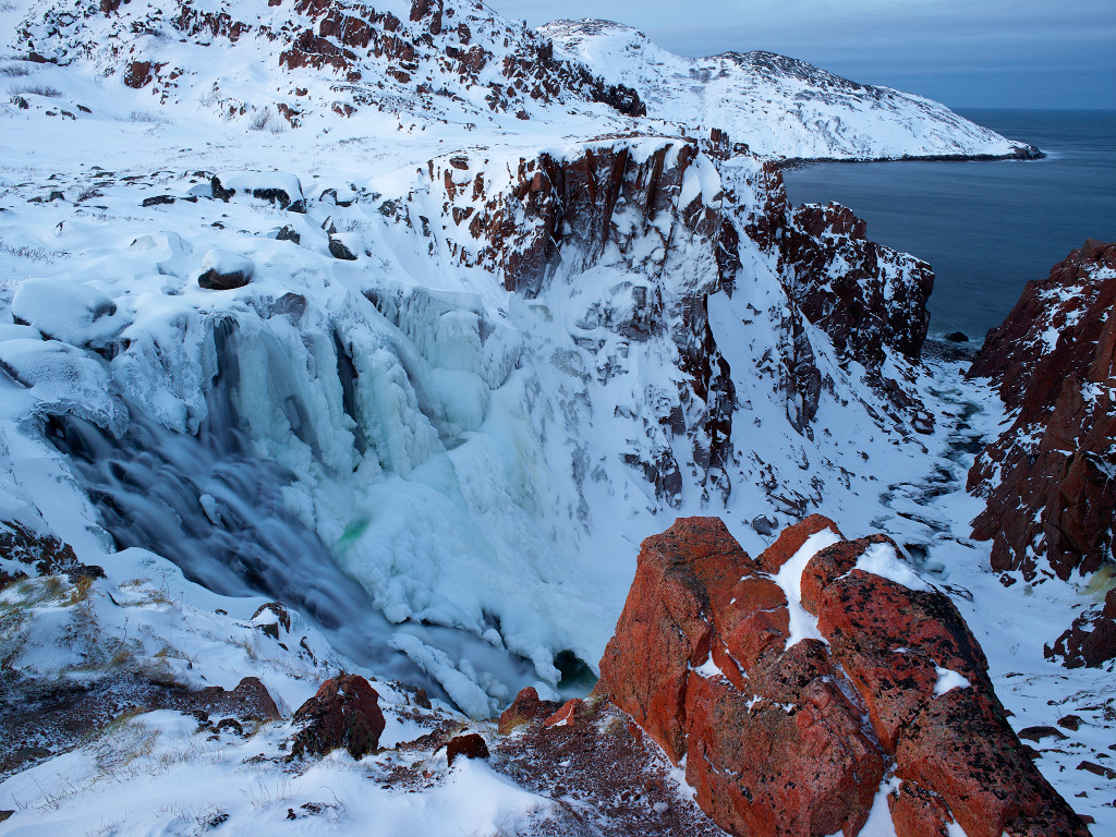 Батарейский водопад Мурманск зимой