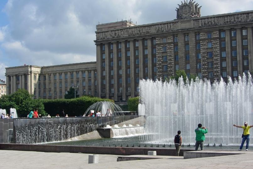 Фонтаны на московской площади Санкт-Петербург