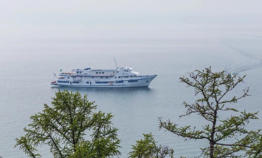 Байкал круизный лайнер