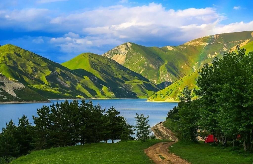 Кезеной-Ам, Чеченская Республика и Дагестан