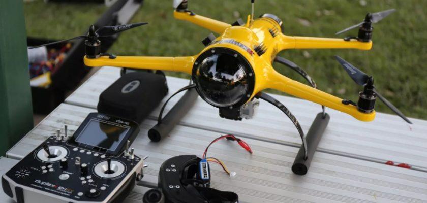 Квадрокоптер во полете