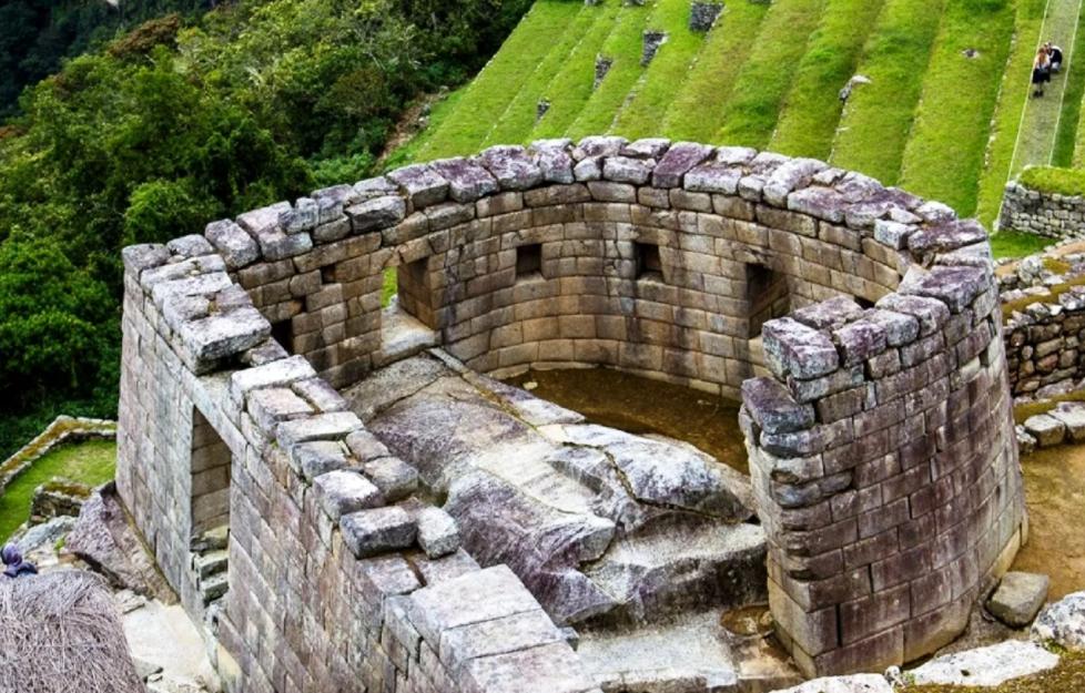 Храм солнца инков Мачу-Пикчу