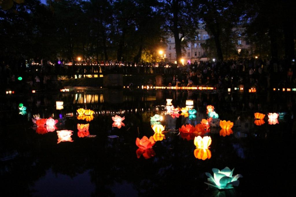 Юсуповский сад фестиваль фонариков