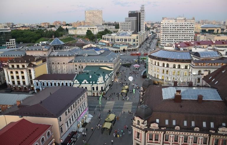 Один из районов Казани. Вид с колокольни Богоявленского собора