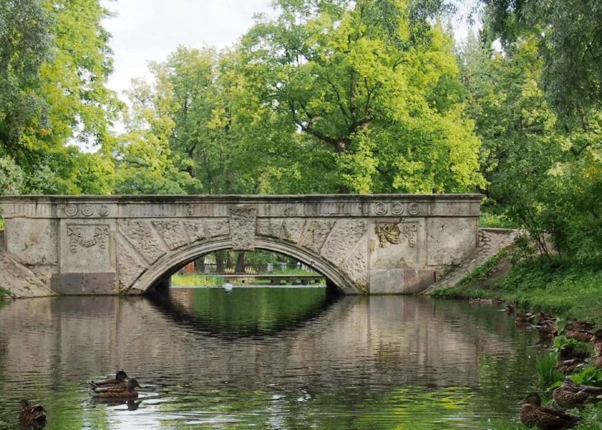 У Зелёного моста через Большие каскадные пруды