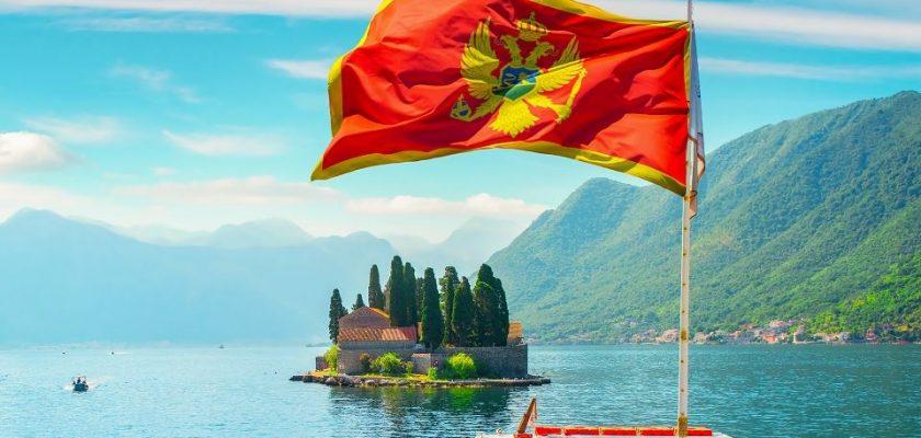 Черногория флаг