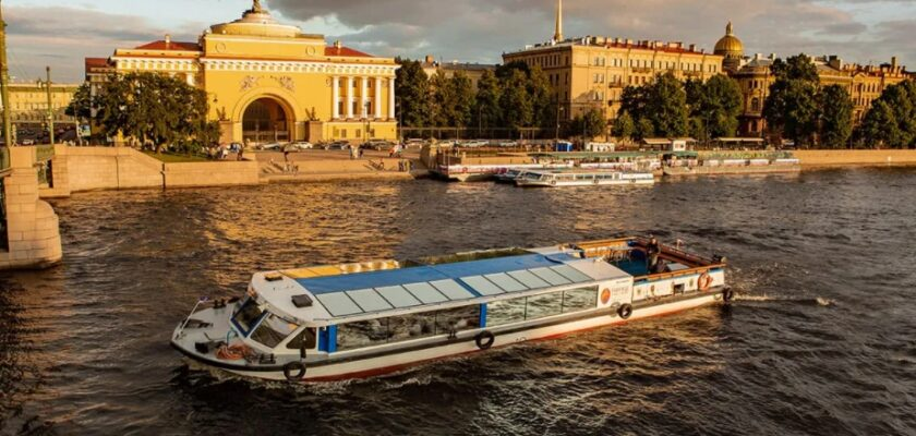 Теплоход Северная Венеция Санкт-Петербург